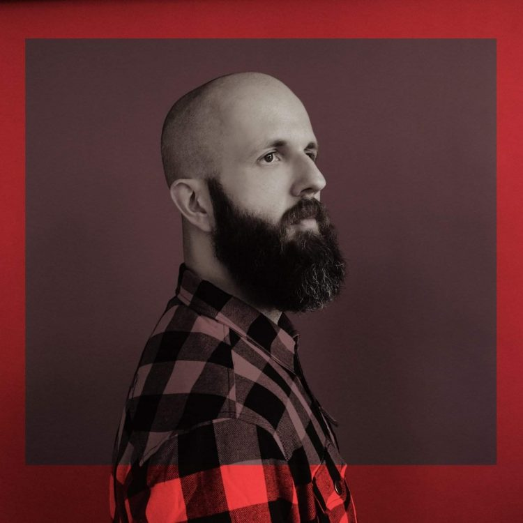 "INTERVIEW: William Fitzsimmons chats ""Mission Bell"", songwriting and what matters to him most"