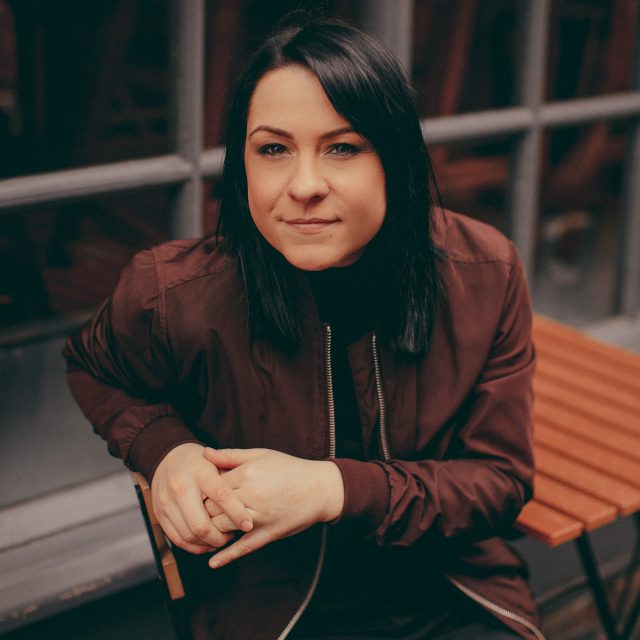 Interview: Lucy Spraggan on her US touring, approach to music and more!