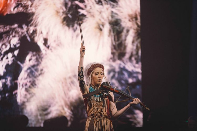 PHOTOS: Lindsey Stirling in Wallingford, CT (08.18.21)
