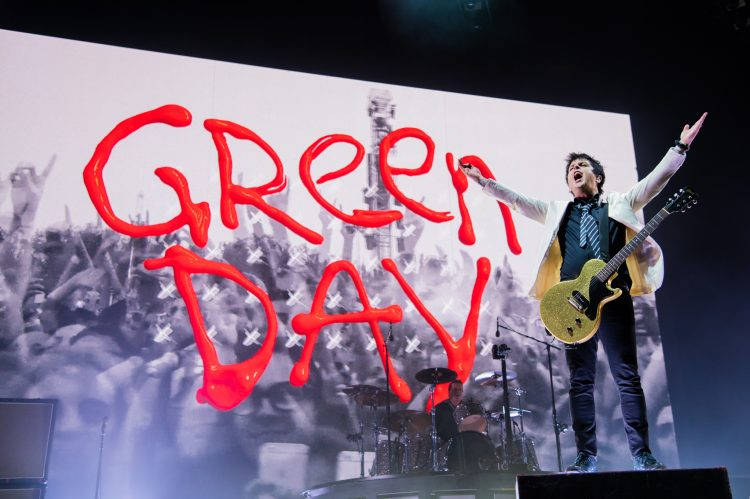 PHOTOS: Green Day, Weezer, The Interrupters in Boston, MA (08.05.21)